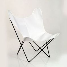 Acryl    Hardoy Butterfly Chairca. 510 Euro