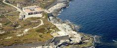 FARO PUNTA SAN CARLOS #EsCastell #Menorca Menorca, Costa, Water, Outdoor, San Carlos, Light House, Islands, Viajes, Gripe Water