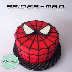 Spiderman Cake Ideas for Little Super Heroes - Novelty Birthday Cakes Spiderman Torte, Spiderman Cake Topper, Spiderman Birthday Cake, Batman Cakes, Superhero Cake, Superhero Birthday Party, Boy Birthday, Novelty Birthday Cakes, Novelty Cakes