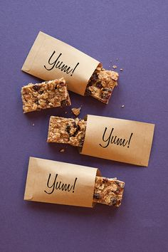 Store-bought granola bars can be packed with sugar. Control your sugar intake by making these Bars easily at home. Easy Healthy Recipes, Healthy Desserts, New Recipes, Favorite Recipes, Healthy Baking, Epicure Recipes, Cooking Recipes, Epicure Steamer, Muesli Bars