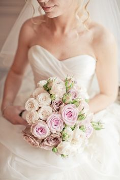 dusky pink, vintage rose bouquet // photo by @Katy Lunsford