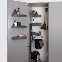 Das individuell einsetzbare Ablageelement für Wand oder Innenseite einer Schranktüre Bathroom Medicine Cabinet, Lockers, Locker Storage, Furniture, Home Decor, Home Economics, Closet Storage, Decoration Home, Room Decor