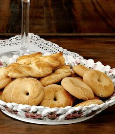 Easter butter cookies   Traditional Greek recipe by Argiro Barbarigou Best Greek Food, Greek Sweets, Greek Cooking, Egg Wash, Greek Recipes, Easter Recipes, Holiday Baking, Baking Soda, Greece