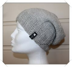 Ravelry: Less is more - hat pattern by Guri Østereng Halvorsen Free Knitting, Knitting Patterns, Sewing Patterns, Crochet Patterns, Knitting Ideas, Diy Craft Projects, Crochet Projects, Crafts, Bust A Move