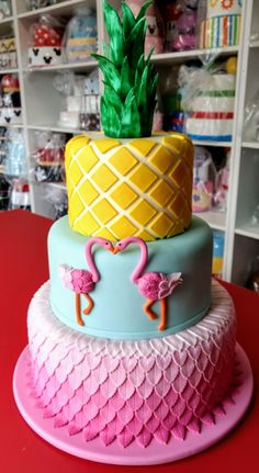 1st Birthday Party For Girls, Luau Birthday, Flamingo Cake, Flamingo Birthday, Bithday Cake, Pool Party Decorations, Beach Cakes, Decoration Originale, Tropical Party