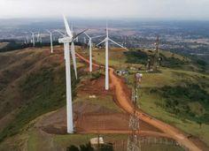"""Une étude de Bloomberg New Energy Finance voit un """"boom"""" des énergies renouvelables en Afrique subsaharienne. L'agence estime qu'il y aura, durant la seule année 2014, plus de nouvelles capacités installées que pendant toute la période allant de 2000..."""