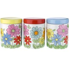 This handy set of 3 ceramic storage jars is great for storing tea, coffee and sugar, and the retro Petal print will brighten up any kitchen!