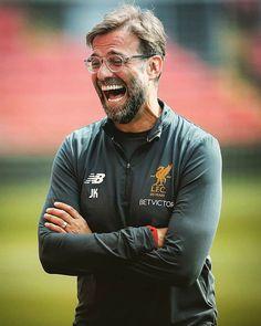 Mourinho lost again hilarious😀 Liverpool Fc, Liverpool Klopp, Liverpool Football Club, Football Match, Football Soccer, Premier League, Liverpool You'll Never Walk Alone, Juergen Klopp, Dejan Lovren