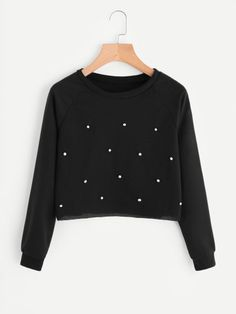 Relaxed, versatile and supremely comfortable, men's and ladies sweatshirts are the casual wardrobe's best friend. Kpop Outfits, Girly Outfits, Cute Casual Outfits, Outfits For Teens, Love Clothing, Girls Fashion Clothes, Fashion Outfits, Simple Kurta Designs, Stylish Hoodies