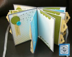Mini album with My Paper Pumpkin, starter kit - by Mariejosée Gagnon Stampin' Up! Diy Paper, Paper Crafts, Paper Art, Homemade Books, Mini Albums Scrapbook, Stampin Up Paper Pumpkin, Scrapbook Designs, Stamping Up, Mini Books