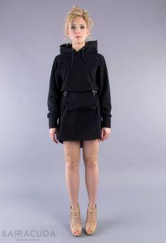 """Na zdjęciu: - Czarna dresowa sukienka """"Kangooro"""" (sprzedawana bez paska) #barracudawear http://www.barracudawear.pl/basic/kangooro/"""