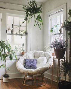 Home Decor Themes 36 Amazing Papasan Chair Design Ideas For Your Living Room.Home Decor Themes 36 Amazing Papasan Chair Design Ideas For Your Living Room Cozy Living Rooms, Living Room Chairs, Living Room Decor, Dining Chairs, Dining Room, Bedroom Chair, Bedroom Decor, Papasan Chair, Swivel Chair