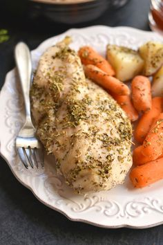 Chicken, Carrots & Potatoes made in a slow cooker! This Crockpot Italian Chicken & Potatoes makes the most tender chicken. An EASY, 5-ingredient dinner packed with flavor that will satisfy the whole family! Gluten Free + Paleo + Low Calorie