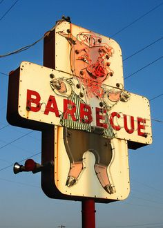 Sign of a good BBQ place- a pig wearing clothes. Sign of a GREAT BBQ place: A pig wearing clothes eating BBQ Advertising Signs, Vintage Advertisements, Vintage Ads, Old Neon Signs, Vintage Neon Signs, El Chante, Bbq Signs, Pompe A Essence, Art Brut