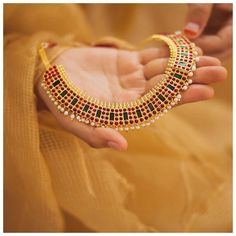 Necklaces Layered 30 Latest Necklace Designs That Are Trending This Year Indian Jewellery Design, Indian Jewelry, Jewelry Design, Designer Jewelry, Jewelry Accessories, Stone Necklace, Necklace Set, Beaded Necklace, Choker Necklaces