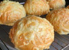 Pečivo - Recepty na chléb, rohlíky, housky a bulky | NejRecept.cz Bread Dough Recipe, Dumplings, Muffin, Food And Drink, Cheese, Cooking, Breakfast, Recipes, Den