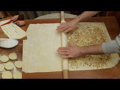 Dürüm Baklava Nasıl Yapılır   El Açması Baklava Tarifi   Kaymaklı Baklava - YouTube Phylo Pastry Recipes, Arabic Sweets, Turkish Recipes, Creative Food, Creme, Deserts, Make It Yourself, Lava, Baking