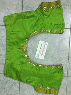 Cutwork Blouse Designs, Saree Blouse Neck Designs, Simple Blouse Designs, Stylish Blouse Design, Hand Work Blouse Design, Designer Blouse Patterns, Indian Wear, Hand Embroidery, Embroidery Designs