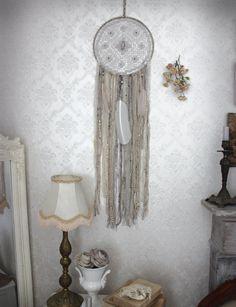 Boho Dream . attrape-rêves gris beige et rose par BoudoirDuChaman