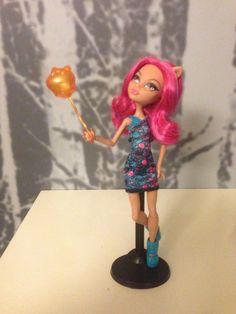 Mattel Monster High - Houlee Wolf Puppe Ghoul Fair wie Neu nicht bespielt in Jeux, jouets, figurines, Poupées, vêtements, access., Poupées mannequins, mini | eBay