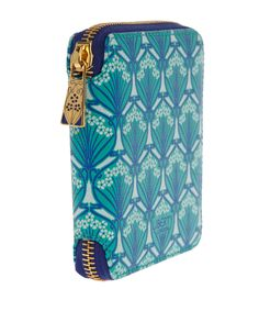 Liberty London Small Green Iphis compact purse offers a stylish way to keep the essentials close at hand. Decorated in Iphis Liberty print, the design was inspired by the much-loved classic Ianthe print, and named after Ianthe's lover in Greek mythology.  Liberty.co.uk