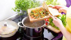 Leurdă la borcan - Retete culinare - Romanesti si din Bucataria internationala Chocolate Fondue, Kitchen Appliances, Bacon, Desserts, Food, Cooking Recipes, Dishes, Spoons, Vegetable Recipes