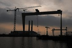 Samson and Goliath, Harland & Wolff Shipyard, Belfast Belfast Northern Ireland, Engineering Firms, Rms Titanic, Modern History, Atlantic Ocean, Southampton, Skin Art, Cityscapes, Dusk