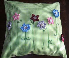 jennyskreativewelt: Kissenbezug mit Kanzashi-Blüten
