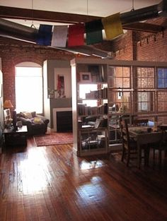 I really really want to live in a #loft #apartment in the city! #interior em #tijolos #rusticos #rustic #bricks #tijolos #ceramic #facing #brick #clinker bricks #klinker #bricks #facingbrick #ladrillos #caravista #avista #brique