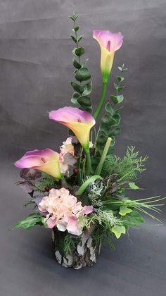 Na cmentarz Fake Flower Centerpieces, Rose Flower Arrangements, Modern Floral Arrangements, Flower Decorations, Fake Flowers, Beautiful Flowers, Flora Design, Calla Lily, Ikebana