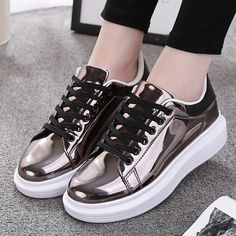 14.79$  Watch now - http://ali2ez.shopchina.info/go.php?t=32803471691 - Patent Leather Creepers Platform Shoes Woman 2017 Casual Loafers Gold Silver Flats Lace-Up Women Shoes Chaussure Femme  #aliexpress