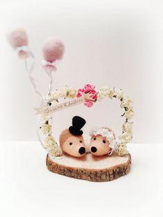 Wedding cake topper-felted Hedgehog-Fiber Art by feltstories