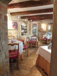 Restaurant Le Clos Saint Pierre - Hôtel du Clos - 5 place de l'Église - 06650 Le Rouret