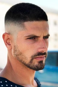 Buzz Cut with High Skin Fade The high and tight haircut is undeniably trendy these days. We decided to show you how versatile this cut can be so that the next time you plan your visit to a hair dressers you will have a fresh idea in mind! Trendy Mens Haircuts, Hairstyles Haircuts, Haircuts For Men, Cool Hairstyles, Barber Haircuts, Trendy Hair, Medium Hair Cuts, Short Hair Cuts, Short Hair Styles Men