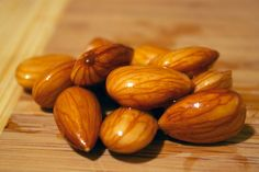 Soaked Almonds are Better Than Raw