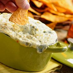 Baked Blue Cheese Dip This warm, creamy, decadent bleu cheese dip is terrific with crudites or chips. It also makes an upscale addition to a tray of Buffalo Wings--perfect for March Mania hoops snacking. Yummy Appetizers, Appetizer Recipes, Dip Recipes, Cooking Recipes, Cooking Tips, Recipies, Salsa Dulce, Bacon Dip, Snacks