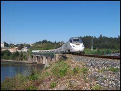El Alvia 730 destino Galicia. Foto obtenida en TRANVIA Portal: El ...