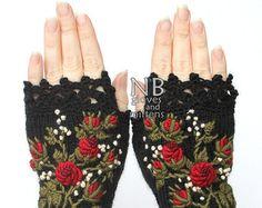 Hand Knitted Fingerless Gloves Heart Dark от nbGlovesAndMittens