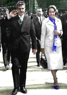 Lovitură de stat 1989 | Nicolae Ceauşescu Preşedintele României site oficial Romania, Mtv, Education, History, Coat, Jackets, Instagram, Fashion, Military