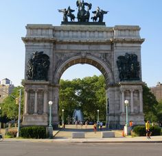 Soldiers and Sailors Memorial Arch. Army Plaza, Brooklyn