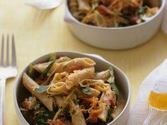 Penne mit Gemüse ist ein Rezept mit frischen Zutaten aus der Kategorie Saucen. Probieren Sie dieses und weitere Rezepte von EAT SMARTER!