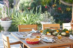 Outdoor autumn table setting