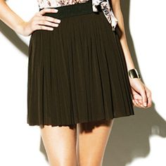Vince Camuto Tulle Skirt Adorable flouncy skater skirt by Vince Camuto. Has a stretchy waist band and two layers of tulle. Slightly sheer. Vince Camuto Skirts