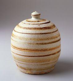 Lidded bowl, Warren MacKenzie ^ Minneapolis Institute of Art Warren Mackenzie, Contemporary Ceramics, Decorative Accessories, Pottery, Clay, Minneapolis, Pots, American, Projects