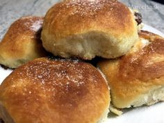 Pravé české buchty (fotorecept) - Recept Hamburger, Bread, Breakfast, Food, Basket, Morning Coffee, Brot, Essen, Baking