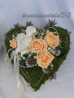 Vence, Cemetery Flowers, Autumn Decorating, Funeral Flowers, Decoupage, Table Decorations, Floral, Crafts, Beautiful