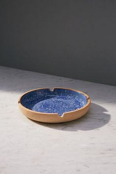 Shop Splattered Ceramic Ashtray at Urban Outfitters today. We carry all the latest styles, colors and brands for you to choose from right here. Fimo Clay, Ceramic Clay, Ceramic Bowls, Ceramic Pottery, Pottery Art, Pottery Ideas, Clay Art Projects, Clay Crafts, Incense Cones
