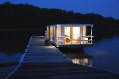 1-metroship-1-nighttime-modern-houseboat