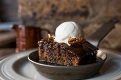 Sticky Toffee Pudding - A classic rich British pudding that can be enjoyed all year round with custard or ice cream (dairy free options are good here too). The recipe includes the original and notes on how I would make it vegan. English Dessert Recipes, Vegan Dessert Recipes, British Pudding, Yummy Treats, Sweet Treats, Toffee Sauce, Sticky Toffee Pudding, Light Desserts, Moist Cakes