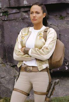 Angelina Jolie as Lara Croft in Tomb Raider: Cradle of Life 2003 Lara Croft Angelina Jolie, Tomb Raider Angelina Jolie, Angelina Jolie Fotos, Angelina Jolie Style, Laura Croft, Gal Gadot Wonder Woman, Celebs, Celebrities, Most Beautiful Women
